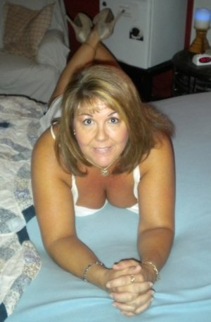 Denisa tantra massage in Kill Devil Hills